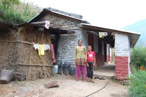 Pudro K.'s Tochter war gerade nicht zu Hause, als ich das neue Haus besuchte.